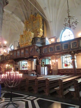 ドイツ教会内.jpg