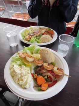 フィッシュマーケットで昼食.JPG
